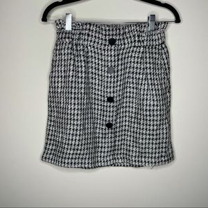 Dynamite Black and White Houndstooth Skirt Small